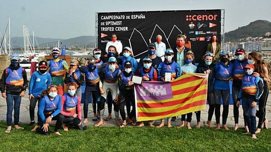 Marisa Vicens vence en el Campeonato de España de Optimist