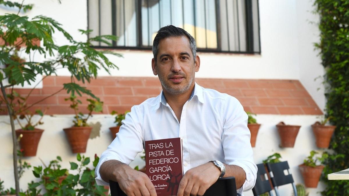 Joseba Eceolaza, autor del libro 'Tras la pista de Federico García Lorca'.