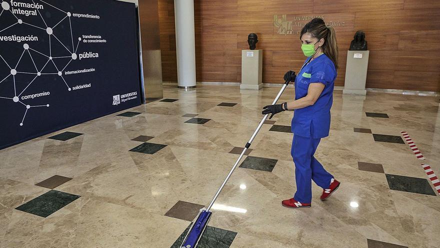 La UMH medirá la calidad de su limpieza en un contrato por tres años y nueve millones de euros