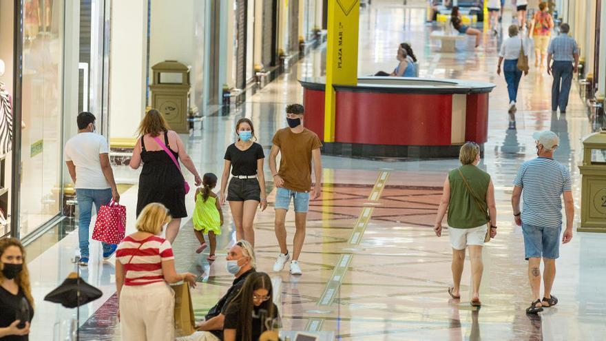 ¿Abren los centros comerciales de Alicante hoy?