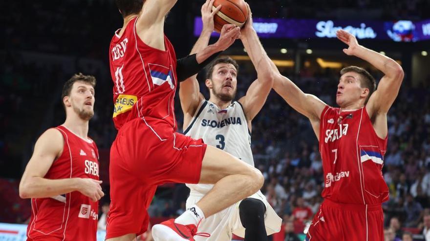 Eslovenia culmina su hazaña ganando el Eurobasket ante Serbia