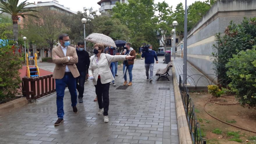 Hila retoma las visitas a barrios de Palma con un recorrido por Arxiduc