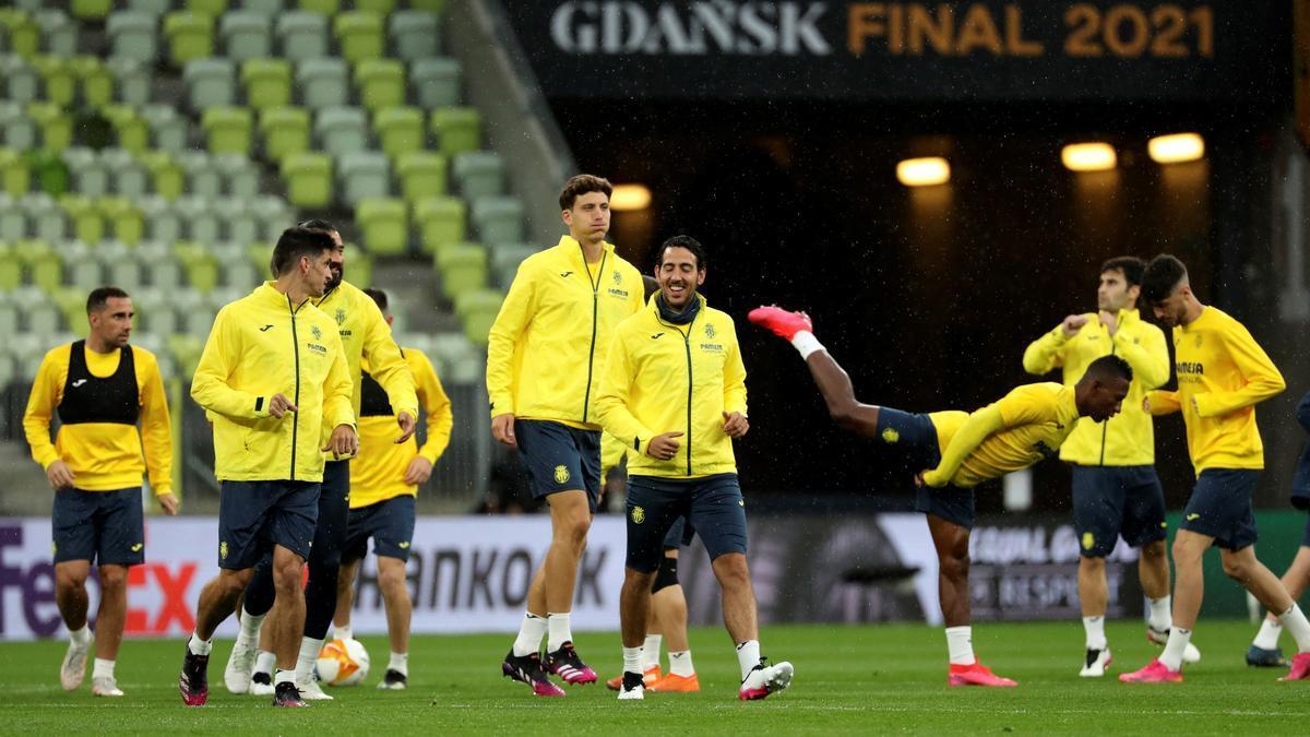 Los jugadores del Villarreal, durante el entrenamiento de ayer en Gdansk.