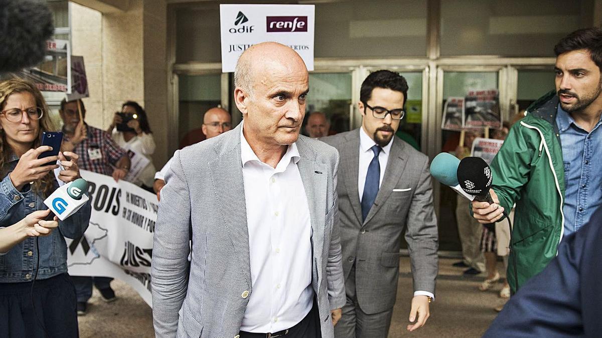 El exdirector de Seguridad en la Circulación de Adif, a su salida del juzgado en 2017. |   // ÓSCAR CORRAL