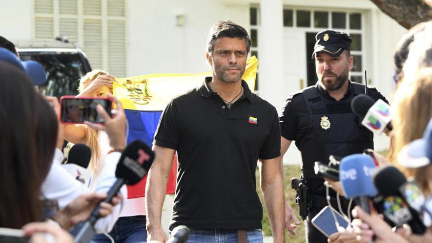 España protegerá a Leopoldo López pero limitará su acción política en la embajada