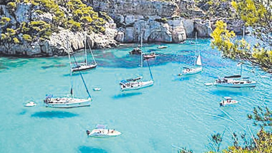 Almenys 24 estudiants catalans de Batxillerat implicats en un brot de covid a Menorca