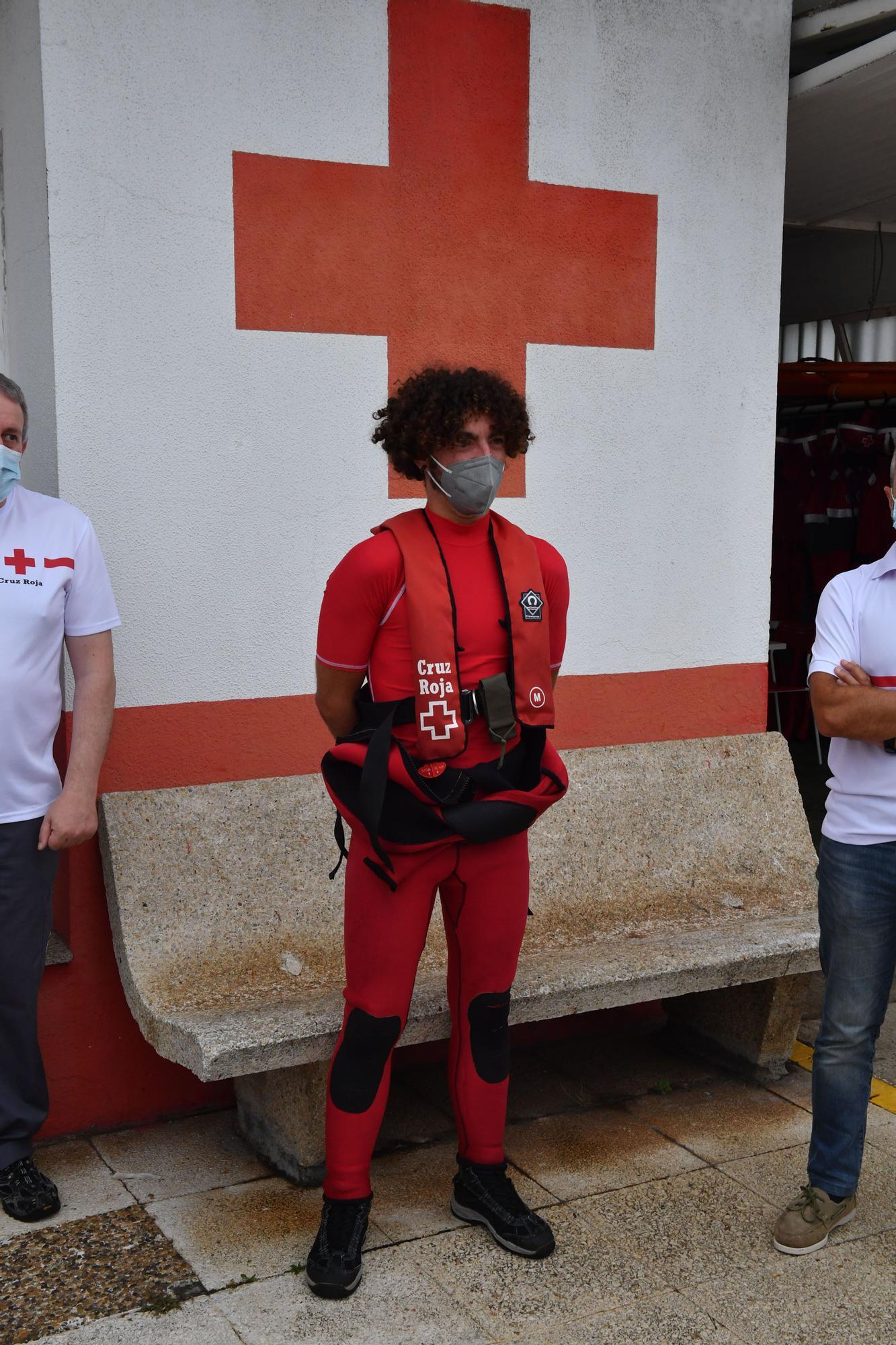 Cruz Roja y Salvamento firman un convenio para luchar contra la contaminación