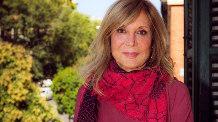 """Pilar Eyre: """"Los borbones tienen una veta de mujeriegos compulsivos e infieles"""""""