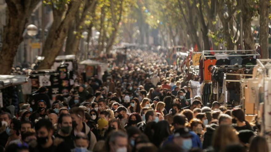 Reabre el Rastro de Madrid tras permanecer ocho meses cerrado