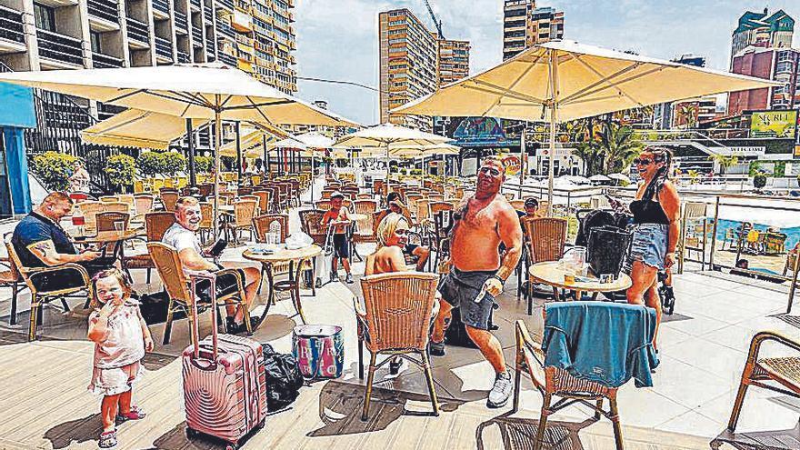La quinta ola sepulta la previsión de recuperación de los hoteles