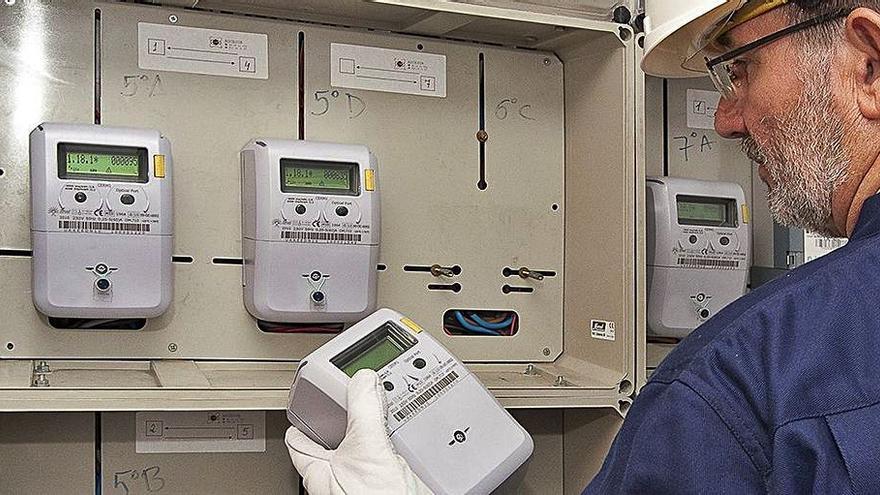 La nova factura de la llum abaratirà el 3,4% el rebut de 19 milions de consumidors