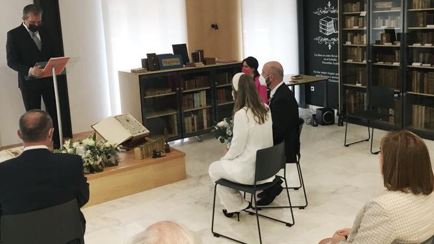 Los notarios podrán autorizar los expedientes previos a la celebración del matrimonio