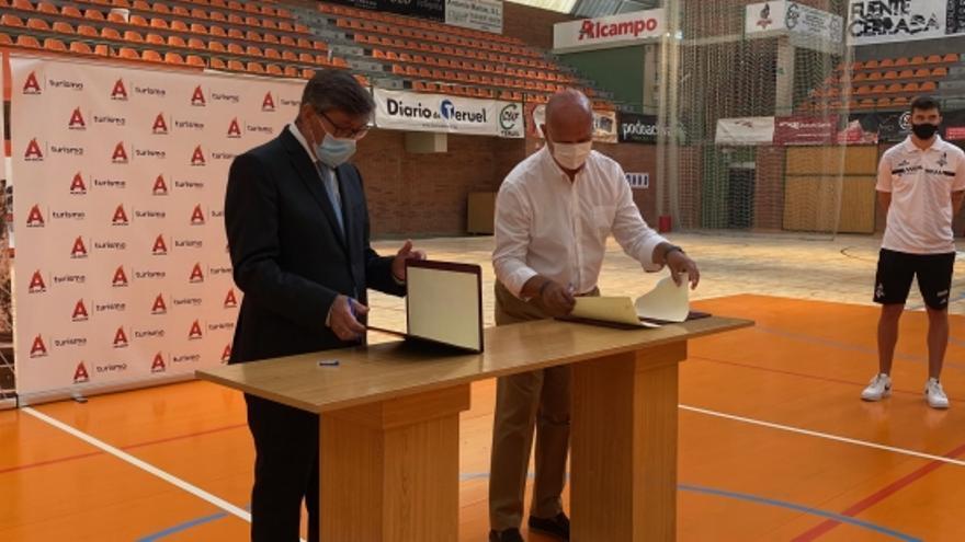 La DGA da 40.000 euros al Club Voleibol Teruel para promocionar Aragón