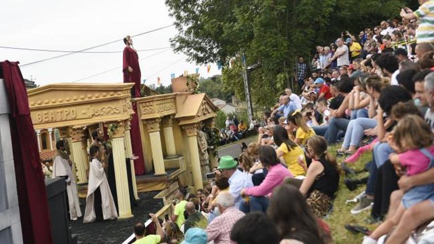 """La carroza teatral """"Afièroma"""" consigue el primer puesto en Valdesoto"""