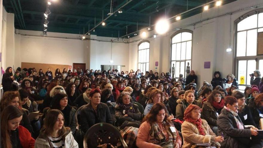 """Un colectivo feminista asturiano plantea una huelga de mujeres: """"Si paramos nosotras, para todo"""""""