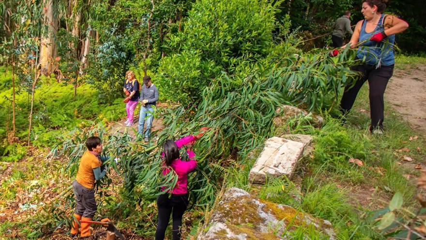 Tirán comparte en la Ribeira Sacra su proyecto de parque forestal en Os Remedios
