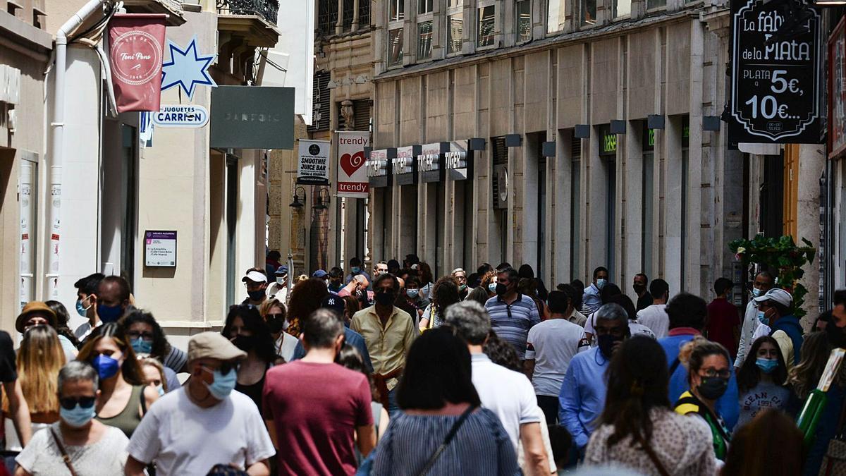 Málaga encara una situación similar a la vivida el pasado verano con medidas que afectan sobre todo a comercios y hostelería