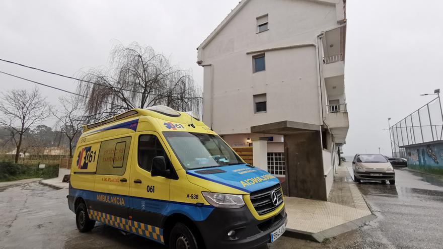 Los técnicos de la ambulancia de Cangas deben seguir en un hotel