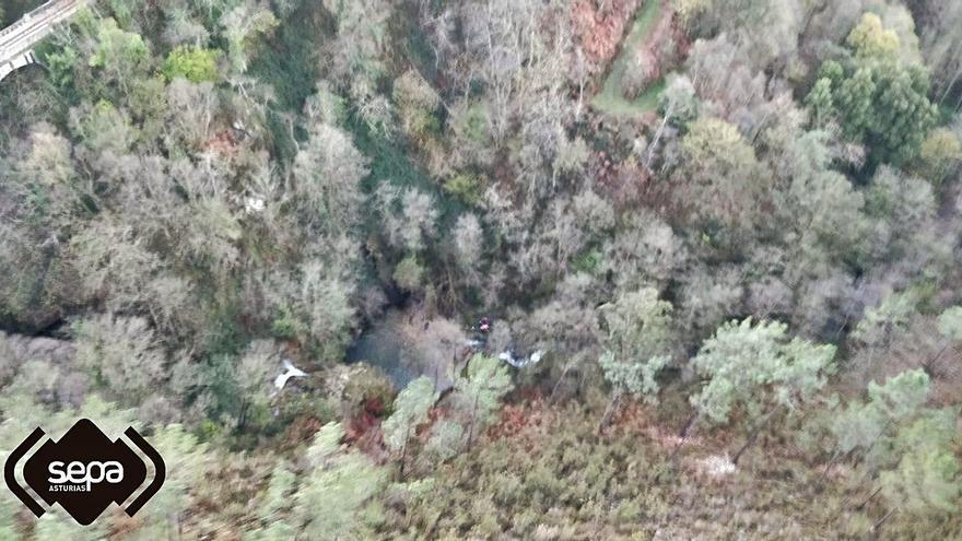 Evacuado un excursionista herido tras sufrir una caída en la ruta de Barayo (Navia)