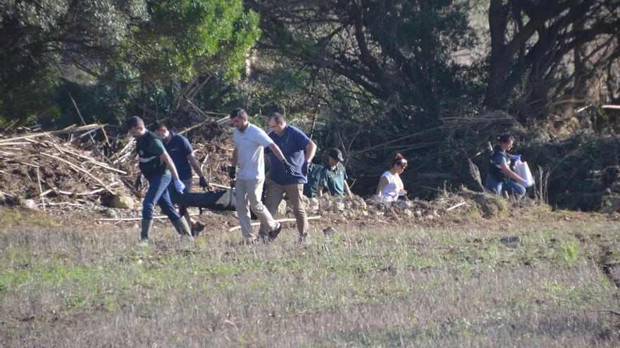 Levantamiento de los dos últimos cadáveres encontrados tras las inundaciones en Sant Llorenç