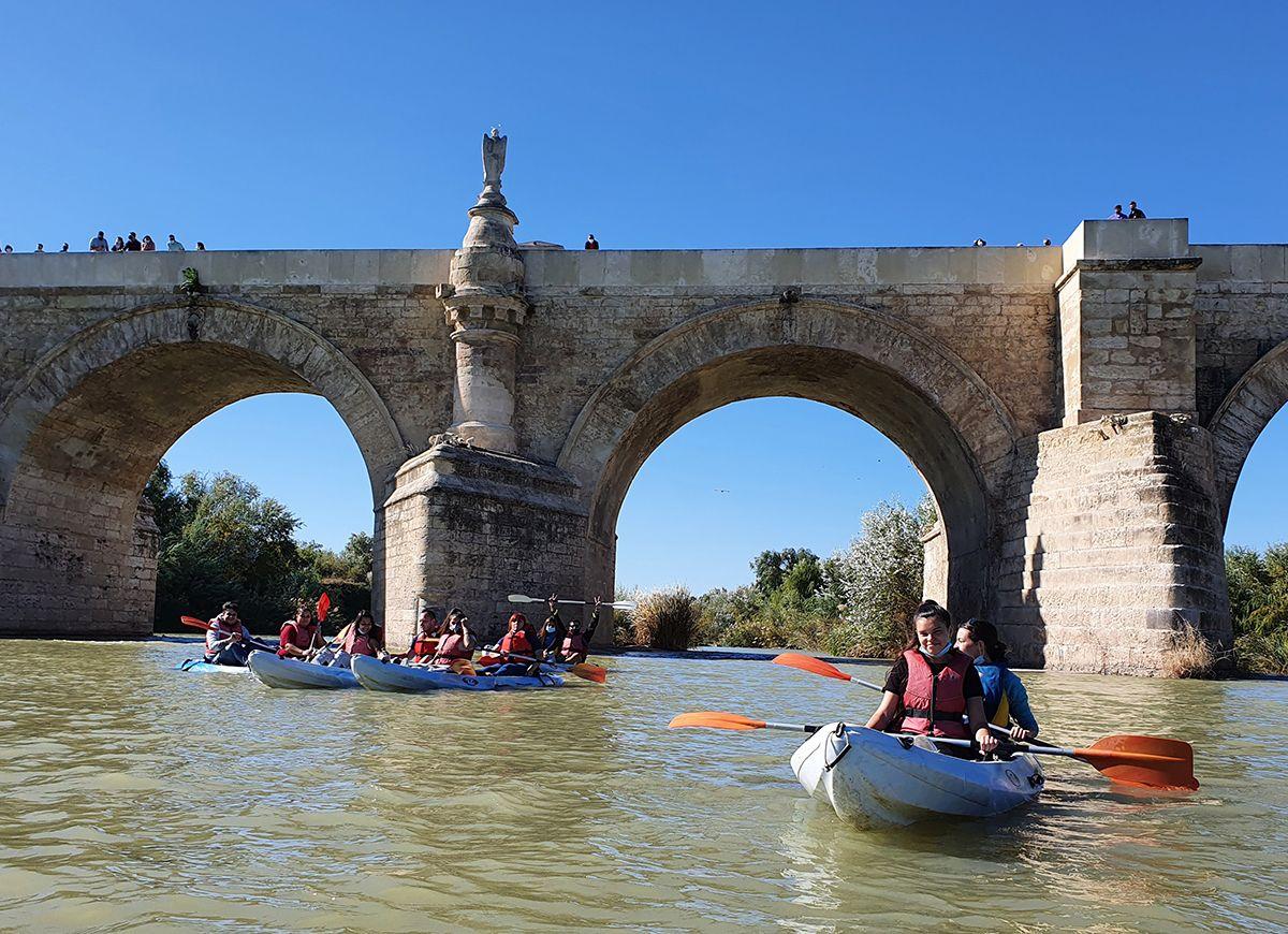 Disfruta del Río a golpe de remo. Piragüismo en Córdoba