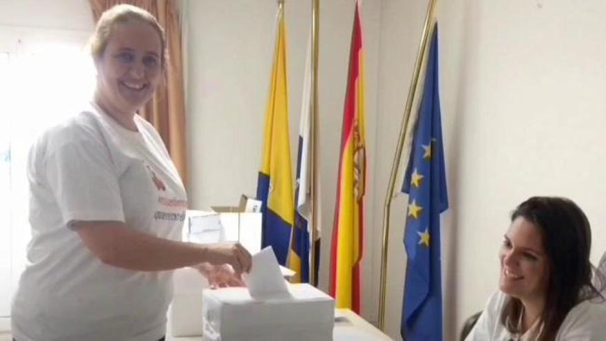 Casi 600 enfermeras votan que quieren votar al Colegio