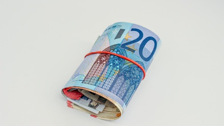 Investigados tres vecinos de Vigo por pagar con billetes falsos en más de una veintena de ocasiones