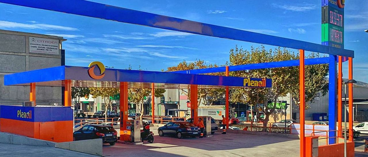 La gasolinera que la compañía Plenoil tiene en el municipio de Benissa.   INFORMACIÓN