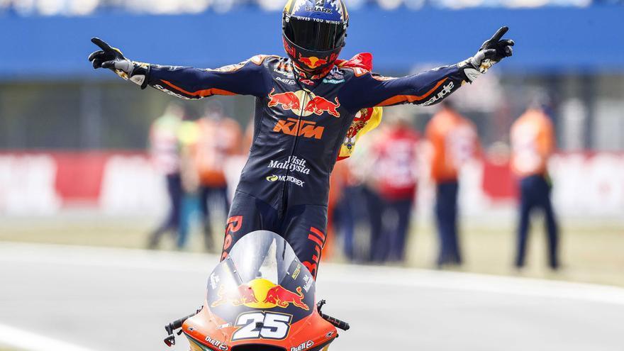 Raúl Fernández, ganador de Moto2 2021 en el circuito de Assen