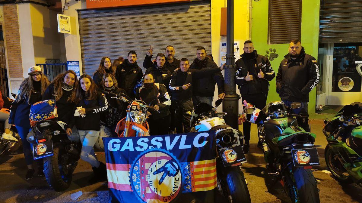 Rubén, Dany y más amigos de GASS VLC, que son como una familia.