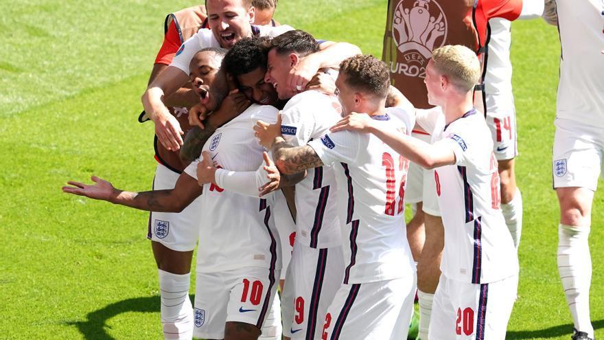 Un gol de Sterling dona la victòria a Anglaterra en la seva estrena contra Croàcia