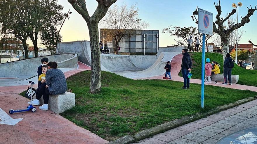 La pista de skate se erige como punto de encuentro en O Corgo