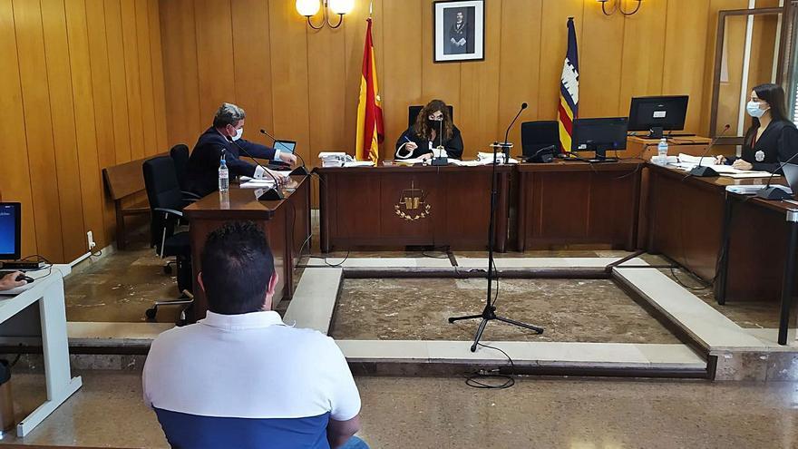 Cuatro niños acusan al exnovio de su madre de malos tratos en Campos