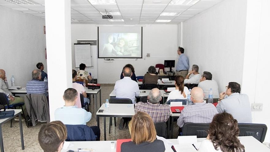La Diputación recibe 93.000 euros de la Junta de Andalucía para formación de los empleados públicos