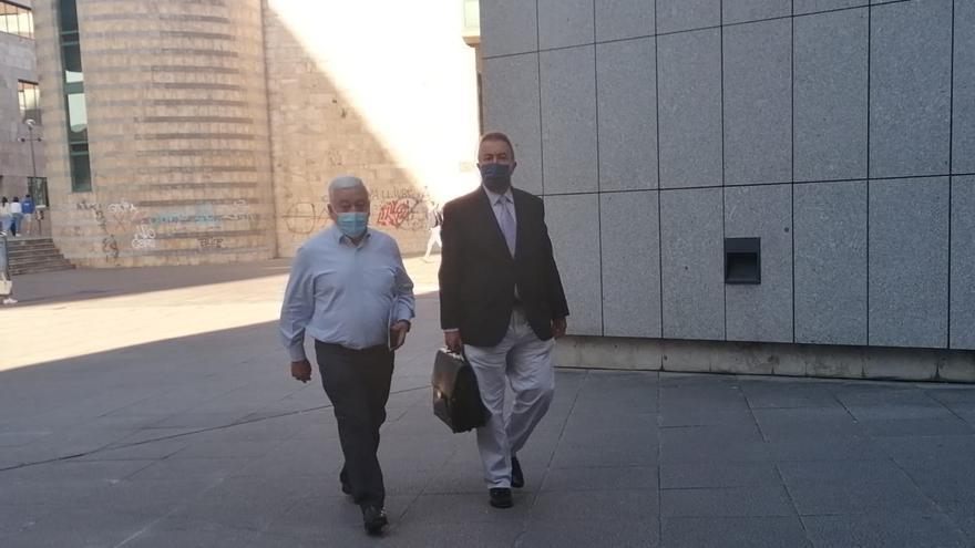 Condenan al exalcalde de Ribera de Arriba a 9 años de inhabilitación por trocear y adjudicar contratos a dedo