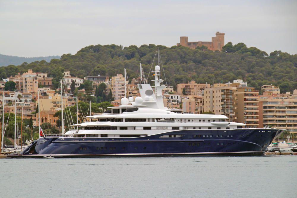 """Die """"Al Mirqab"""" wurde 2008 auf einer deutschen Werft gebaut und gehört dem Emir von Katar."""