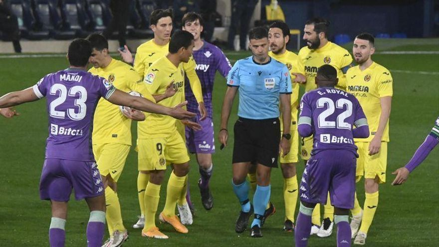 La explicación de Gil Manzano de la expulsión del entrenador del Villarreal