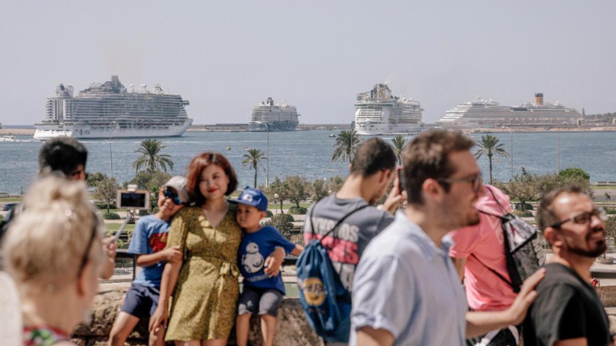 """Advierten del """"peligro potencial"""" que supone la """"inminente"""" llegada de cruceros a Palma"""