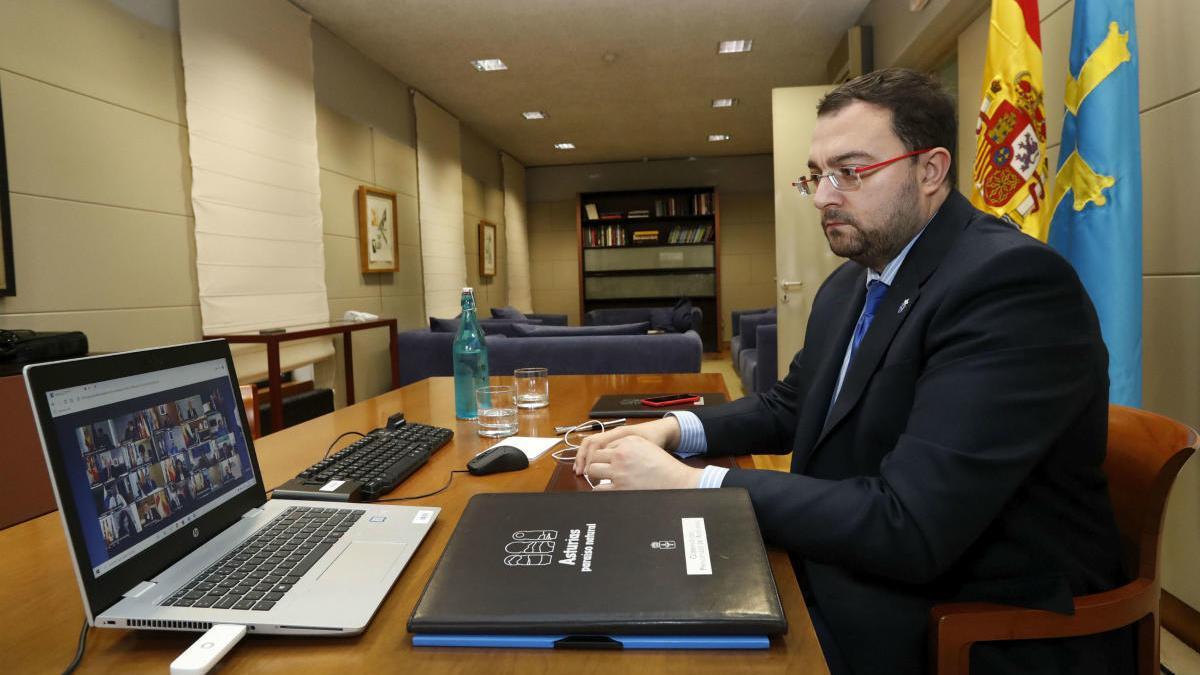 Adrián Barbón, durante la reunión de esta mañana con el resto de presidentes autonómicos