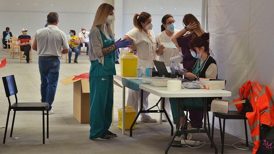 Tres quintas más asisten a su cita en el vacunódromo del Centro de Negocios de Benavente