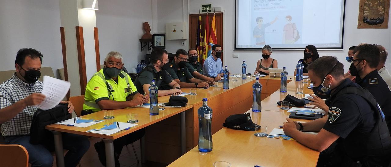 Reunión extraordinaria en la sede del Consell.