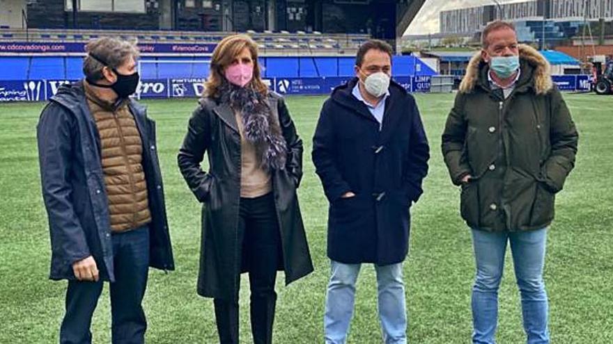 Nuevos banquillos para el campo de fútbol del Covadonga