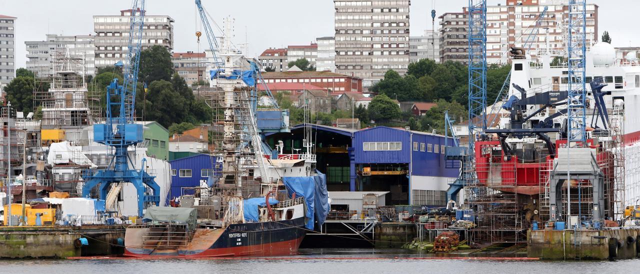 Imagen de archivo de astilleros de Vigo