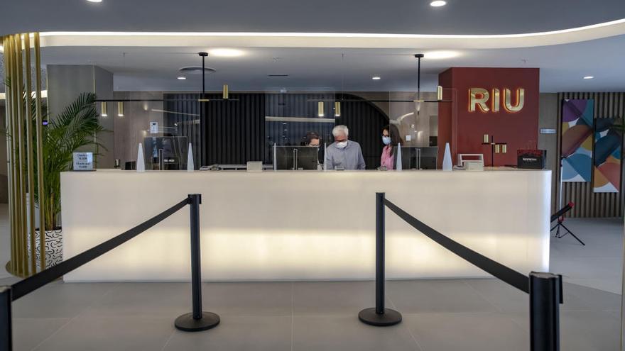 RIU contrata 300 habitaciones con TUI para las primeras llegadas
