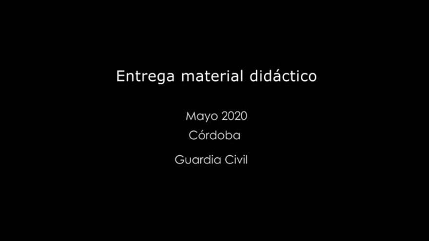 Coronavirus en Córdoba: la Guardia Civil traslada material didáctico y libros a alumnos de la provincia