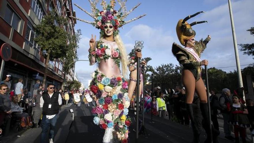 La Cabalgata del Carnaval paraliza Las Palmas de Gran Canaria