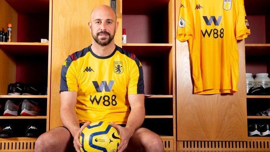 El portero cordobés Pepe Reina jugará en el Aston Villa
