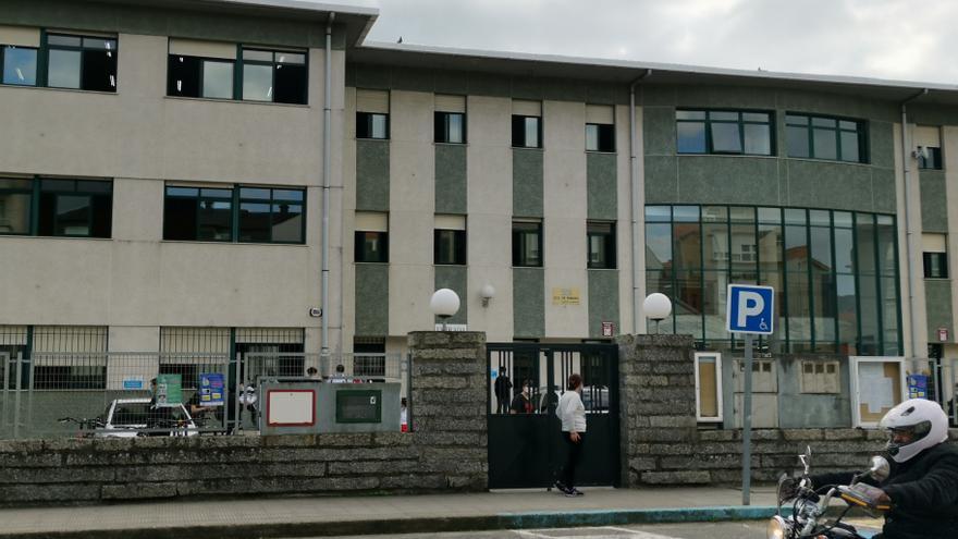 El IES Rodeira de Cangas acoge una de las pruebas de las mayores oposiciones de Educación de Galicia