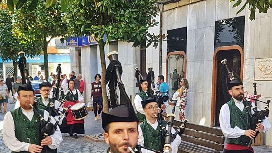 La Banda de Gaitas de Villaviciosa reanuda su actividad y la de su escuela