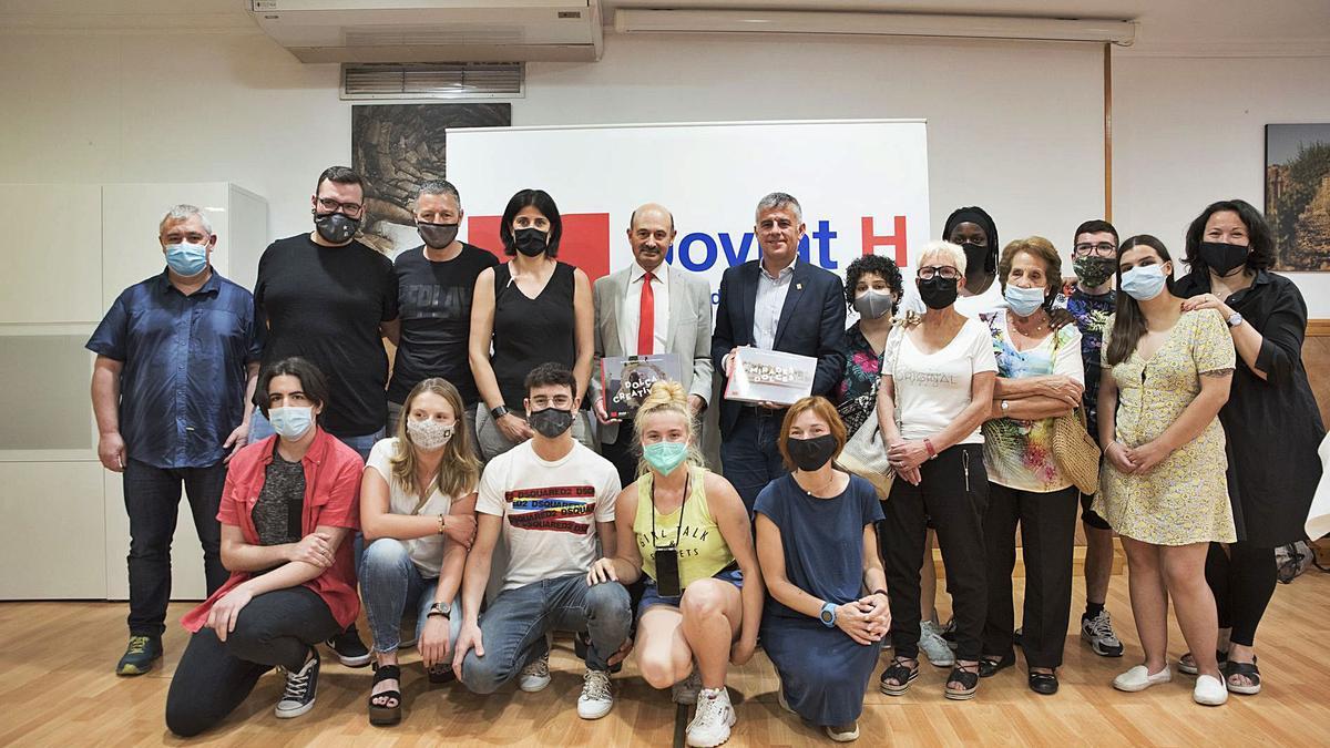 Daura, Vilaseca i els docents i estudiants que han fet possible els dos primers Gastroquaderns | OSCAR BAYONA